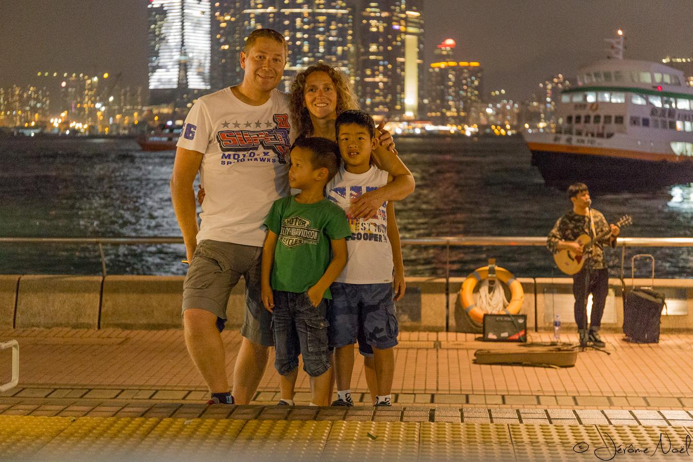 Famille, ferry, musique